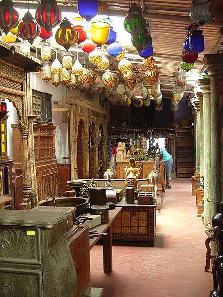 Antique shop jew town kochi
