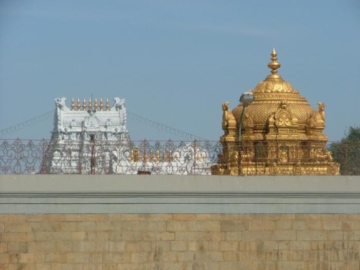 Tirumala_gopurams