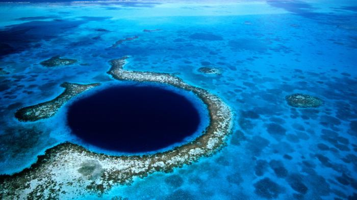 Blue Hole Lighthouse Reef Belize